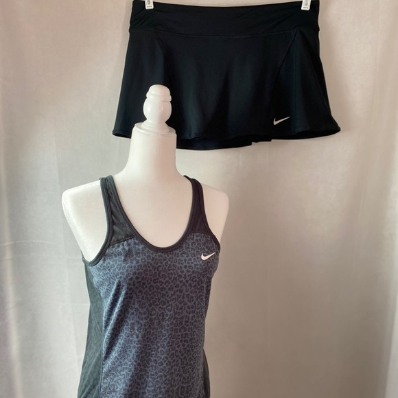 NIKE 2 piece tennis outfit.